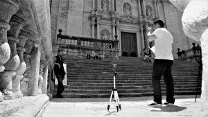 Entrevista a Rony Valle realizada en el centro de Girona por Artes Gráficas 504