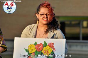 Cristal Pineda La bella artistas del pincel posando después de la entrevistas para artes Gráficas 504