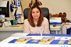 Foto realizada en la presentación de su primer libro realizado en la ciudad de Girona